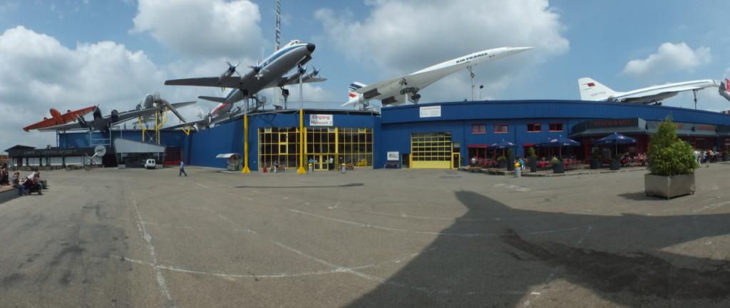Technik-Museum Sinsheim - Flugzeuge auf dem Dach
