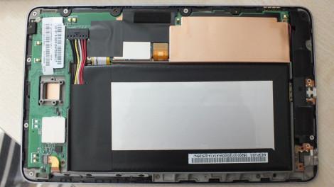 Nexus 7 (2012) - geöffnet ohne Rückendeckel