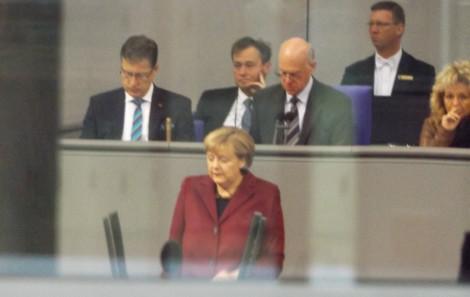 Angela Merkel spricht zur Flüchtlingskrise