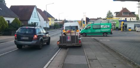 Wenn ich nur kurz was an der Tanke brauche, dann parke ich halt auf dem Radweg. Wen interessiert's?