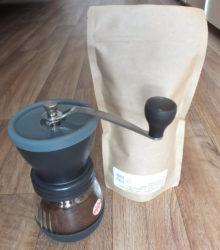 Neue Kaffeemühle mit ganzen Bohnen