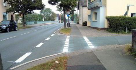 Radwegfurt auf der Eidinghausener Straße