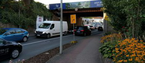 Benutzungspflichtiger Radweg an der Steinstraße in Richtung Süden