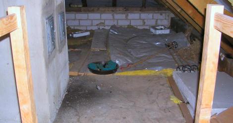 der Dachboden im Rohzustand