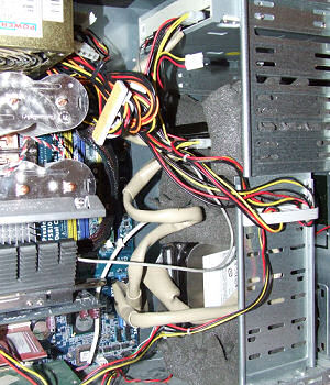 Festplatten in Akustikschaumstoff