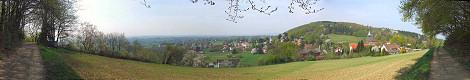 Blick über Bergkirchen vom Liebesweg aus - Klick für Panoramio-Ansicht