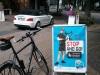 in fussgaengerzone radfahrer ermahnen und mit auto fahren - 2014-06-17 16.06.03