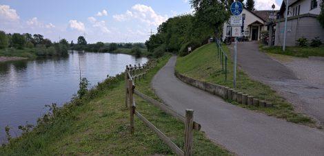 Weserradweg ab dem Alten Fährhaus Richtung Vlotho